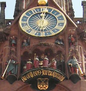 nuernbergfrauenkirche3x3.jpg